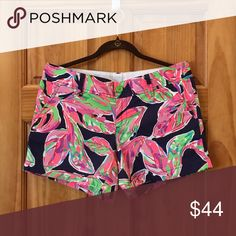 LILLY PULITZER CALLAHAN SHORTS I'm second owner but never worn by me. Sold to me as EUC. Callahan shorts in In the vias print. Size 8. Lilly Pulitzer Shorts