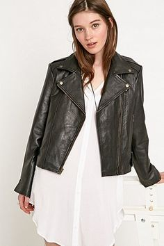 Urban Renewal Vintage Re-Made Leather Biker Jacket in Black - Urban Outfitters
