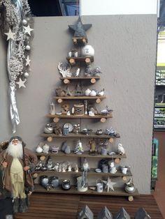 Gezien bij Intratuin december 2012: Houten kerstboom Wooden christmas tree