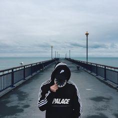 """5,397 Me gusta, 3 comentarios - Palace Talk UK/EU (@palace_talk) en Instagram: """"@kevs.kevs.kevs #Palacetalk"""""""