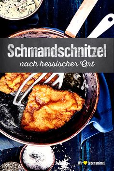 Hessisches Schmandschnitzel Breaded schnitzel with a sauce of sour cream, bacon, onions and herbs cuisine Drink Menu, Food And Drink, Canned Blueberries, Vegan Scones, Gluten Free Flour Mix, Whipped Feta, Scones Ingredients, Vegan Butter, Meat Recipes