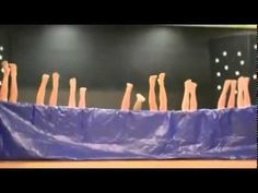 Divertido y original acto fin de curso - YouTube