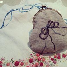 #Embroidery#stitch#needlework  #프랑스자수#일산프랑스자수#자수#자수지갑 #반짝이는 비즈 자수지갑~~