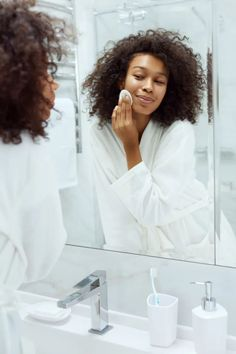 Are You Exfoliating Too Much Or Not Enough? What The Derms Say Oily Skin, Sensitive Skin, Hydrating Toner, Bare Face, Skin Routine, New Skin, Combination Skin, All Things Beauty