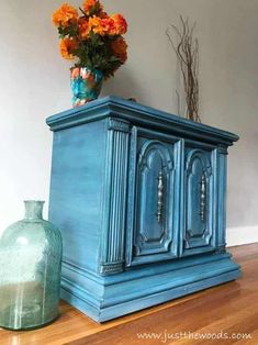 Goodwill accent table gets a makeover. See how to paint furniture with layers on this ornate vintage cabinet in shades of blue. When considering painted furniture ideas try these painted furniture techniques for layering paint on furniture Diy Furniture Chair, Painting Old Furniture, Blue Painted Furniture, Furniture Painting Techniques, Painted Chairs, Recycled Furniture, Shabby Chic Furniture, Furniture Projects, Furniture Makeover