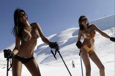Libano, in bikini sulla neve Ski Girl, Sport Girl, Miss Venezuela, Ski Bunnies, Snowboard Girl, Ski Posters, Snow Fun, Rando, Vintage Ski