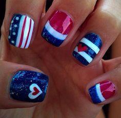 Easynailart diy patriotic nails, diy fourth of july nails, july Fancy Nails, Diy Nails, Cute Nails, Pretty Nails, Nail Art Designs, Fingernail Designs, Holiday Nails, Christmas Nails, Gel Nagel Design