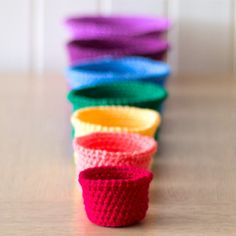 Gorgeous set of crocheted rainbow nesting baskets. Easy step-by-step tutorial for crochet beginners.