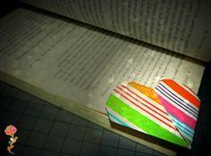 """Que tal unir leitura e """"art and crafts"""" , para este post escolhi um Origami emformato de coração que se torna um marca páginas para a..."""