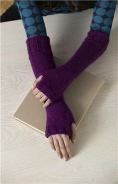 Highland Gauntlets - Knit your own arm warmers, they are cozy warm and a fun accessory in the fall and winter.
