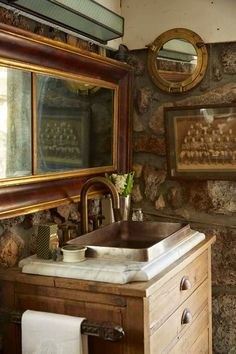 the style saloniste: Positively British: San Francisco interior designer Jonathan Rachman transforms a Napa Valley farmhouse into an evocative retreat with a private drinking den and tasting salon. It's a rustic escape for sybaritic pleasures. British Colonial Decor, Napa Valley, Sonoma Valley, Cool House Designs, Beautiful Bathrooms, Decoration, New Homes, Rustic, Bathroom Ideas
