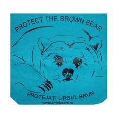 Chic cotton scarf in a triangular shape. Suitable as a fashion accessory, for sports and leisure. Sewn edges. It is embroidered with a picture of a bear from the sanctuary.