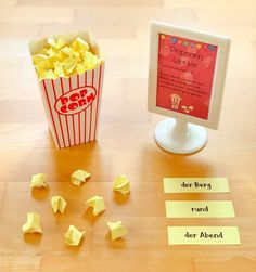 Lernwörter Popcorn Materialwiese: Lernwörter Popcorn Related Post My Graduation Cap for my Associates Degree Graduat. Fathers Day Crafts, Diy Crafts For Gifts, Paper Crafts, Birthday Gifts For Best Friend, Best Friend Gifts, Diy Birthday, Birthday Cards, Student Gifts, Diy Cards