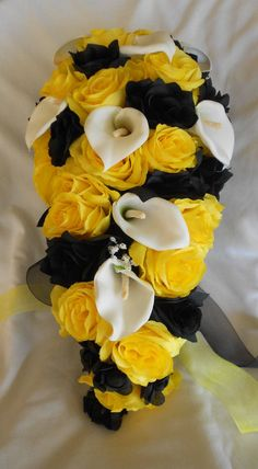 Bride bouquet cascade black yellow white - Batman Wedding - Ideas of Batman Wedding - Church Wedding Flowers, Cascading Wedding Bouquets, Yellow Wedding Flowers, Rose Wedding Bouquet, Cascade Bouquet, Bride Flowers, Wedding Flower Arrangements, Bride Bouquets, Yellow Weddings