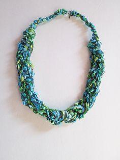 Trellis Yarn necklace idea