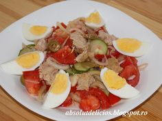 About This Recipe A classic method of preparing fish in Latin America. Caprese Salad, Cobb Salad, Yummy Food, Tasty, Seafood, Cooking Recipes, Cheese, Chicken, Anna