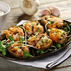 ziemniaki, łosoś, faszerowane, warzywa, wędzona ryba, cukinia, cheddar, sos czosnkowy, cebula, grillowanie, tabasco, grill, potatoes, fish, vegetables Cheddar, Shrimp, Grilling, Meat, Chicken, Dinner, Dining, Cheddar Cheese, Crickets