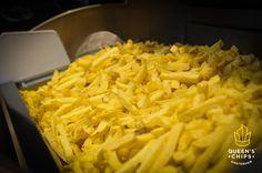 Qualcuno ha detto venerdì? YES WE...EKEND! :D #queenschips #lepiúbuonedelreame #bellefresche #fries #chips #chipsandsalsa #salsa #sauce #hot #blonde #yellow #top #fresh #freshpotatoes #fresche #everyday #venerdí #hungry #food #foodporn #foodheaven #insta #instalove #instagood #instaday #instafood #instapic #nofilter #picoftheday #follow #nofilter