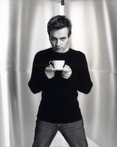 Photo of Ewan Photoshoot for fans of Ewan McGregor 7010498 Ewan Mcgregor, People Drinking Coffee, Drinking Tea, Actrices Hollywood, My Guy, Famous Faces, Coffee Drinks, Film, Beautiful Men