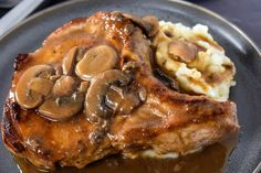 In this recipe, thick pork chops are fried until golden, then they're covered with a luxurious mushroom sauce. Serve the pork chops with fluffy mashed potatoes a delicious meal. Thick Pork Chop Recipe, Beef Ribs Recipe, Easy Pork Chop Recipes, Chops Recipe, Quick Dinner Recipes, Pork Recipes, Cooking Recipes, Recipies, Pork Chops And Gravy