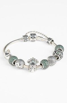 Love the green in this Pandora!