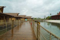 Disney's Polynesian Villas and Bungalows - Disney's Polynesian Village Resort Bora Bora Bungalow - View along boardwalk