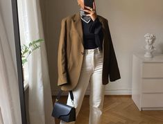 How do you create a cohesive closet that's not overwhelming, where everything, for the most, part goes together? Our fashion director has a five-step approach for that. Spring Summer Fashion, Winter Fashion, Stylist Pick, Capsule Wardrobe, Wardrobe Ideas, French Fashion, Outfit Of The Day, Fashion Beauty, Normcore