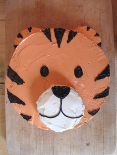 tiger cake  Wonder if I could do this as a giraffe for Chase's birthday?