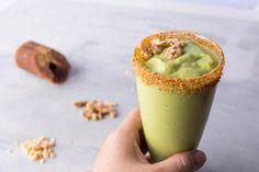 Avocado Shake with Gula Melaka Recipe: Sweet Asian Delight Recipe Asian Desserts, Easy Desserts, Asian Recipes, Ethnic Recipes, Avocado Shake, Asian Food Channel, Walnut Recipes, Smoothie Ingredients, Kitchens