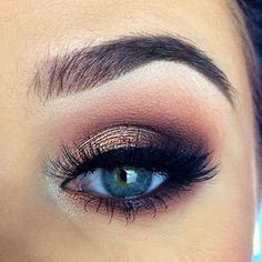 Gold Smokey Eye Makeup Look for Prom