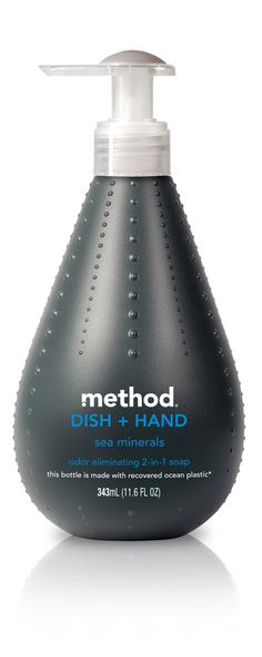 The Dieline Package Design Awards Editor's Choice - Method Ocean Plastic Dish + Hand Soap Plastic Packaging, Soap Packaging, Packaging Design, Black Packaging, Plastic Bottle Design, Plastic Bottles, Plastic Plastic, Method Soap, Recycled Bottles