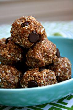 Almond butter energy balls recipe - no-bake & speedy - Crosby's Molasses