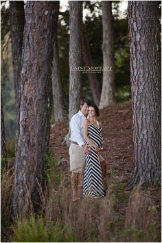 maternity photos in the woods; chevron; modern www.daisymphotography.com @Anna Totten Carden
