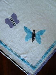simple blanket with binding and applique