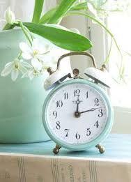 Afbeeldingsresultaat voor mint green clock