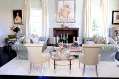 Nothing says old Hollywood glam like Marilyn Monroe! We're taken back to a time of glitz with Lisa Vanderpump's swanky lounge! Click for more of her gorgeous home, Villa Rosa.