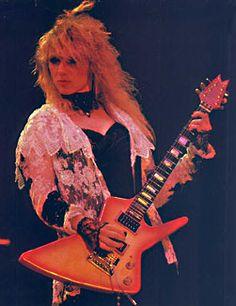 Apprenez à jouer de la #guitare comme la légendaire Nancy Wilson de Heart sur www.MyMusicTeacher.fr !