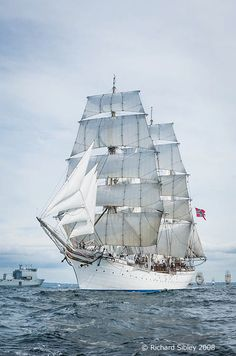 Liverpool – Maloy TSR 2008 | Sea Fever - Photos of Tall Ships and other related articles by Photographer Richard Sibley