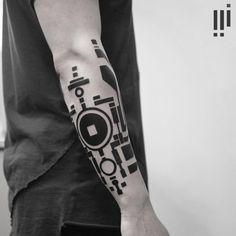 Blackwork-Geometric-Forearm-Sleeve-Tattoo-by-Georgie-Williams-728x728.jpg (728×728)