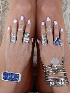 (via Silver accessories and white nails | // O R N A M E N T //...