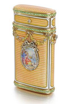 A FABERGÉ JEWELLED FOUR-COLOUR GOLD AND ENAMEL CIGARETTE CASE, WORKMASTER MICHAEL PERCHIN, ST PETERSBURG, 1899-1903