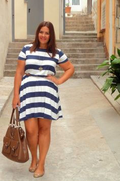 navy_dress_curvy_blogger_moda_para_gorditas_xl_vistetequevienencurvas_vestido+%283%29.jpg 500×750 pixels