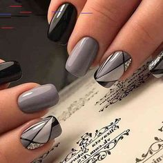 Expand style to your nails with the help of nail art designs. Donned by fashionable personalities, these nail designs will incorporate immediate charm to your outfit. Simple Nail Art Designs, Best Nail Art Designs, Easy Nail Art, Acrylic Nail Designs, Elegant Nails, Classy Nails, Stylish Nails, Shellac Nails, Diy Nails