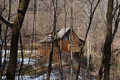 Pigeon Forge, TN: AROUND THE BEND - 1 BR Chalet - Hidden Lake Estates. - Wears Valley Vacation Rental