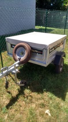 Remorque Daxara 127 avec bâche plate, rehausseur + bâche, roue jockey, roue de secours, antivol en parfait état