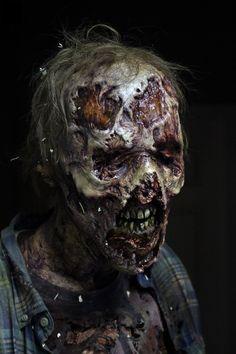 Walking Dead Season 6 Walker showed at SDCC Walker protrayed by: Alex Axt