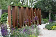 Gestalten Mit Holz Metall Amp Naturstein Herrhammer Grtner Von Sichtschutz Aus Metall Im Garten