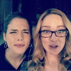 Emily Bett Rickards and Caity Lotz on set (Arrow)