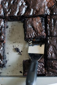 Dark Chocolate Espresso Trail Mix Brownies from @bakeat350