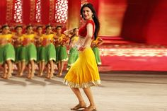 Latest Bollywood News And Updates: Shruti Haasan Sings Item Number For Telugu Film